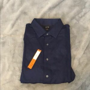 NWT APT 9 Slim Fit Long Sleeve Button Down